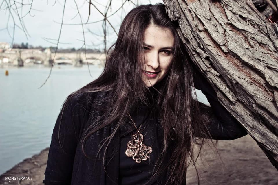 Anna Monsterance